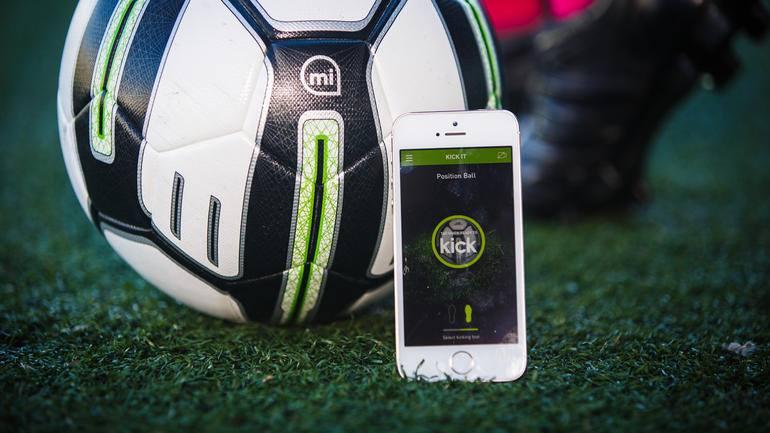 Objets connectés pour le foot : les produits qui cartonnent sur le marché